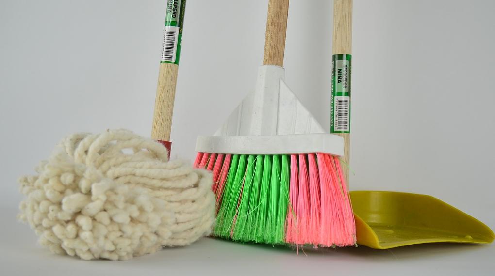 Olika rengöringsmedel och städprodukter online INGROSS