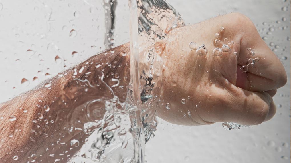 tvätta händerna efter toalettbesök